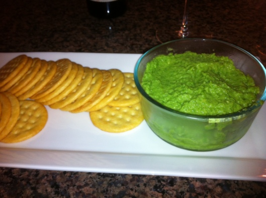 This dip is easy and quick to make, oh-so-yummy, and a gorgeous green color!