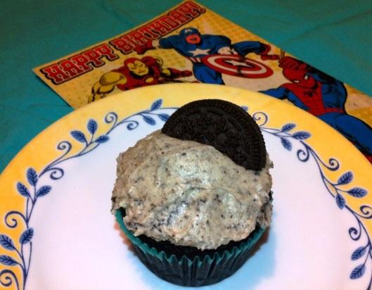 vegan cookies and cream cupcake